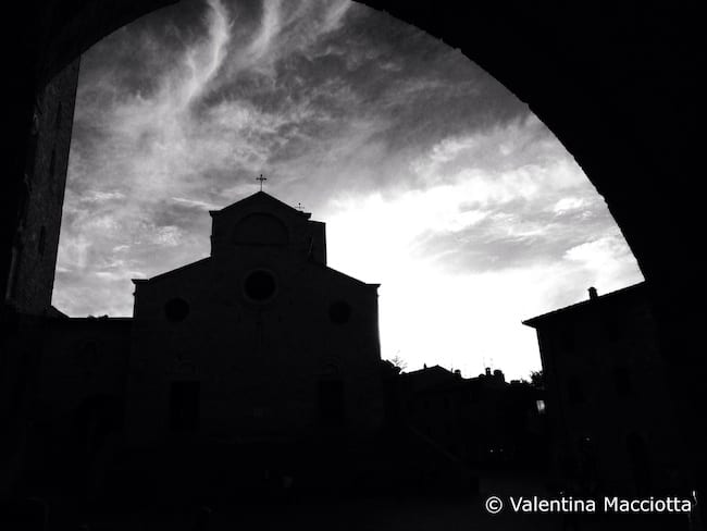Via Francigena, San Gimignano - Toscana, Italy