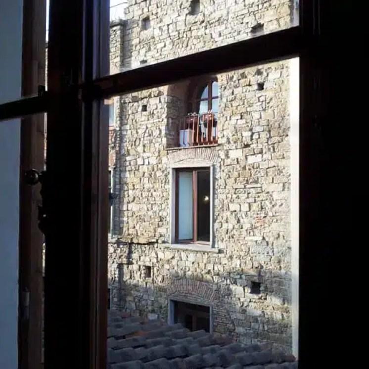 booking.com presenta villas.com a Firenze Vista dalla finestra1