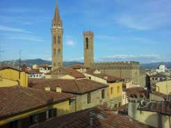 booking.com presenta villas.com a Firenze Vista dalla finestra