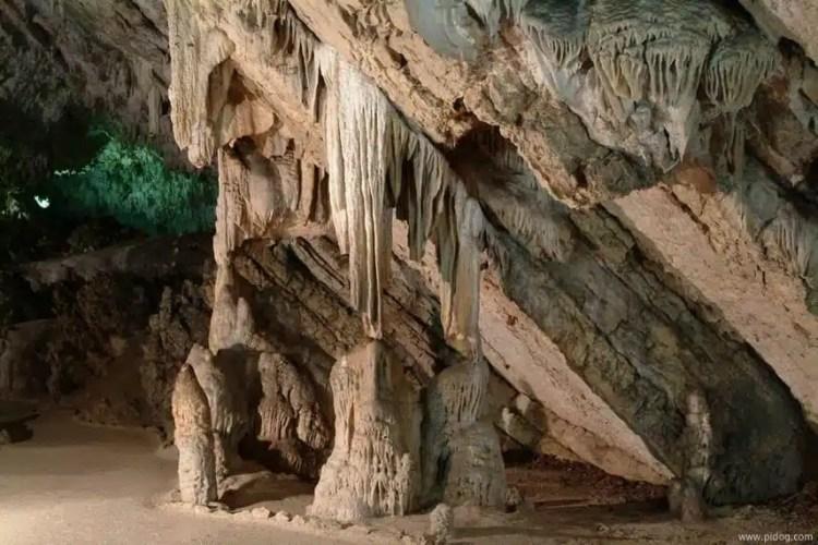 Grotte di Petrosa (foto D.Daniel)