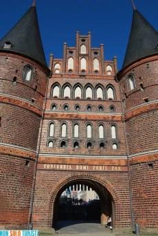 Holstentor - Lubecca, Germania
