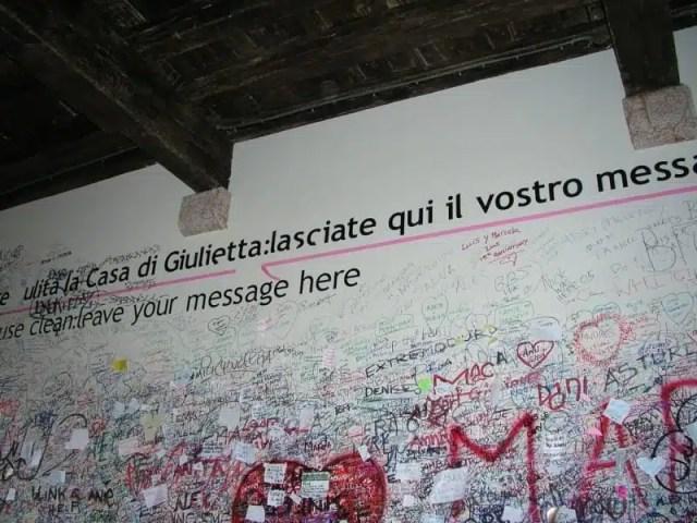 Verona: i messaggi lasciati a casa di Giulietta