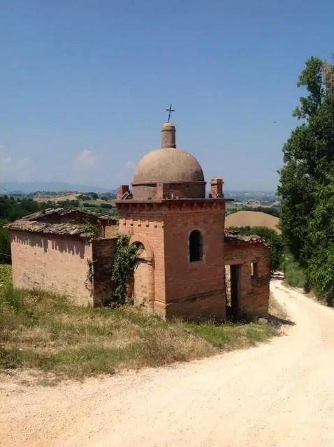 Chiesa abbandonata - Fermano, Marche