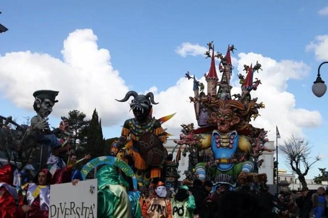 I carri - Carnevale di Putignano