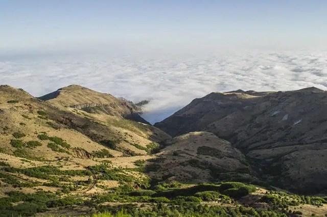 1) Panorama dalla strada che porta a Pico do Arieiro