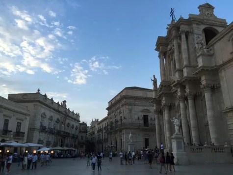 piazza-del-duomo-siracusa