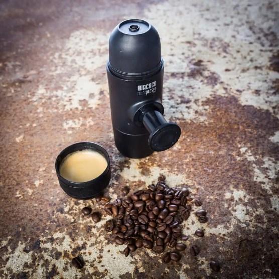 minipresso-la-macchina-per-espresso-piu-compatta-al-mondo-regali-di-natale