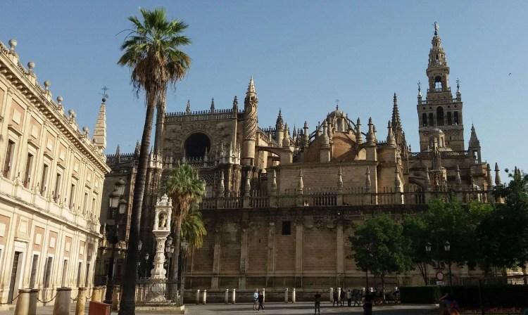 La cattedrale e la Giralda a Siviglia