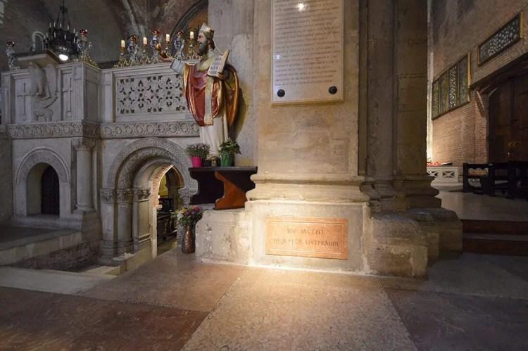 Basilica di San Pietro in Ciel d'Oro interno