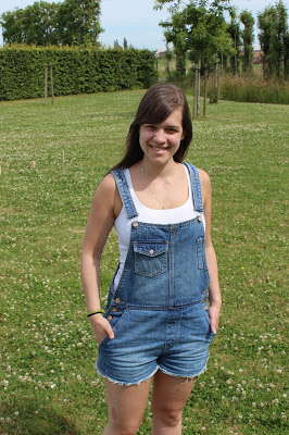 by Clothes & Dreams. Kubbing: Pull&Bear dungarees, H&M top