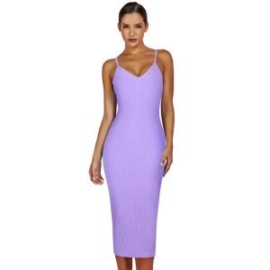 Produktbild Model trägt Trägerkleid lila von vorne