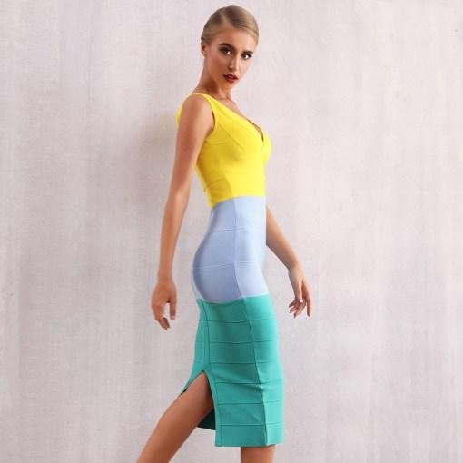 Modelbild Sommerkleid knielang seitlich