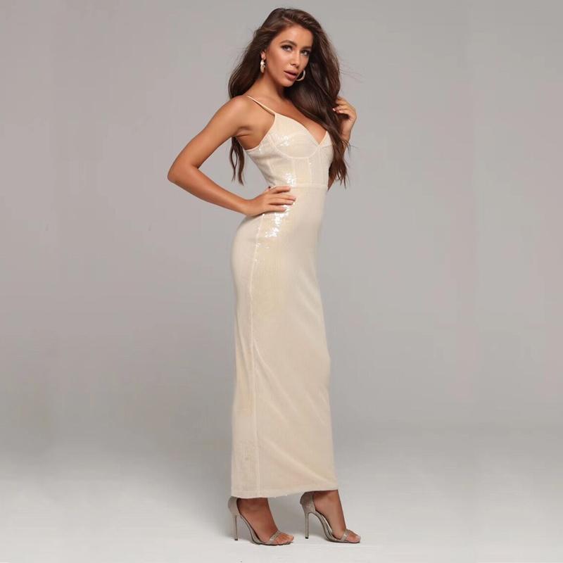 Modelfoto Abendkleid beige lang
