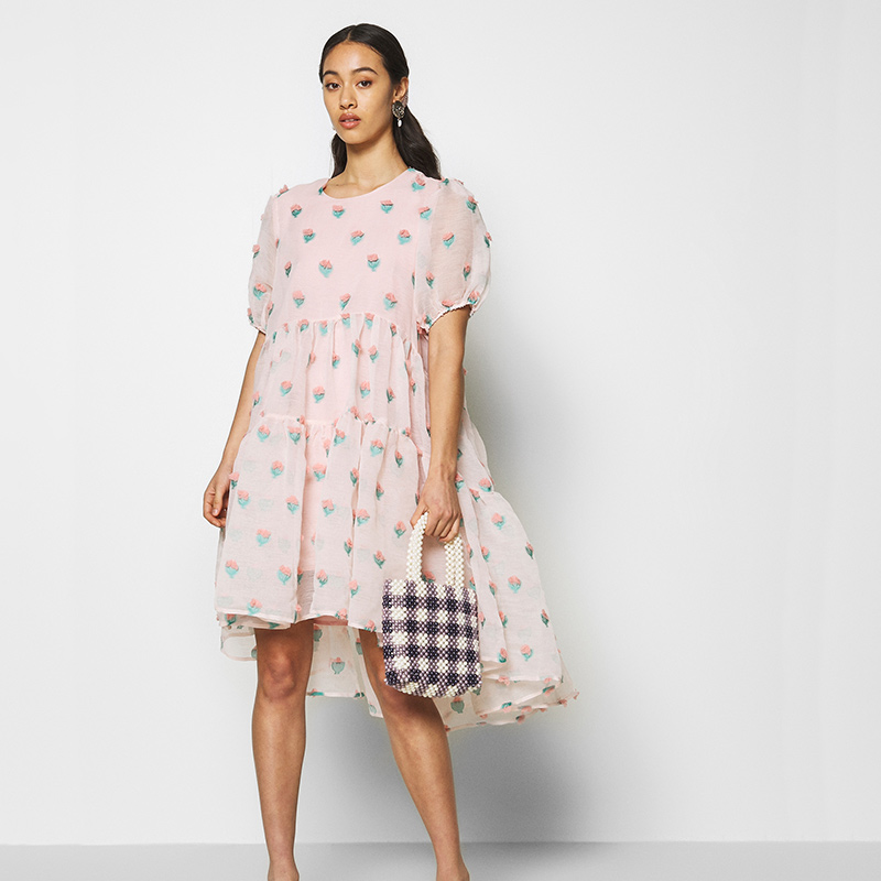 Modelbild Babydoll Kleid Frontansicht