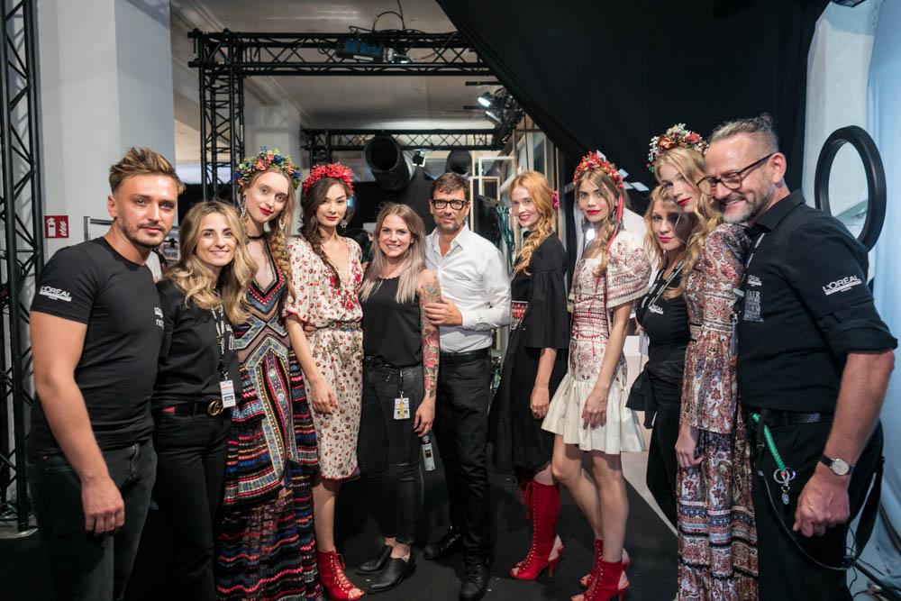 LENA HOSCHEK 2018