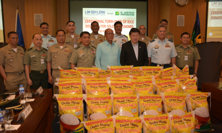SLAC Donates Rice for Marawi Soldiers