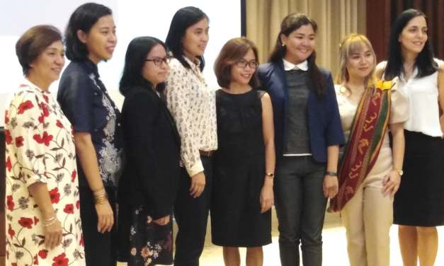 SIX LADIES RECEIVE AWARDS FROM DOST-NEWTON SCHOLARSHIP