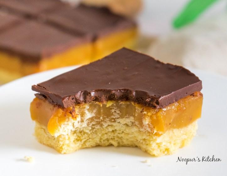 caramel squares 4.jpg