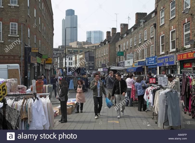 petticoat-lane-wentworth-street-market-london-east-end-e1-england-A845FP