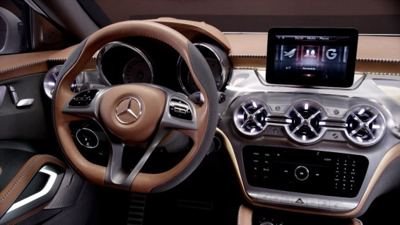 2018 Mercedes-Benz GLA-Class technology
