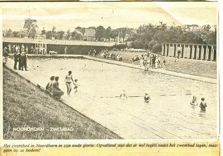 krantenfoto zwembad Noordhorn