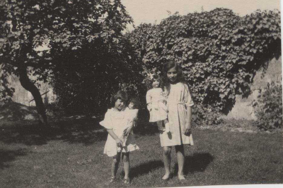 Khairunissa and Noor. August 1923, Fazal Manzil