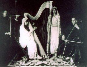 Hidayat, Khairunisa, Noor, and Vilayat. 1931, Fazal Manzil