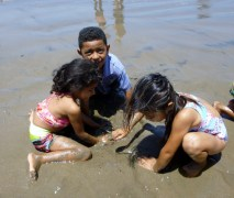 Playing in the sand - Playa Gigante