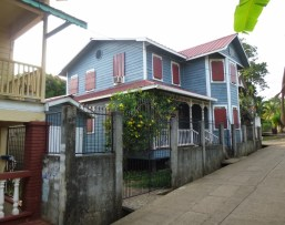 For Sale! - Quaint with curb appeal! Utila