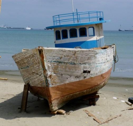 ready to be refurbished, Manta Boatyard