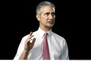 Jeff Smisek explains that he can neither run an airline nor tie his shoes.