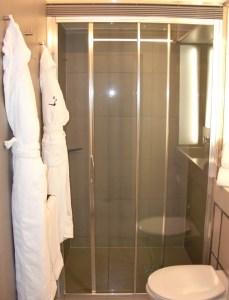 Room 101 shower (ahhhh).