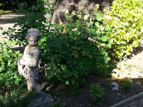 Stone angel at the Cowper Inn.