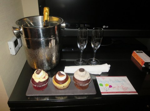 Cupcakes and prosecco.