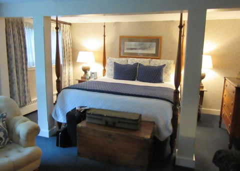 Room 7: Bedford Village Inn