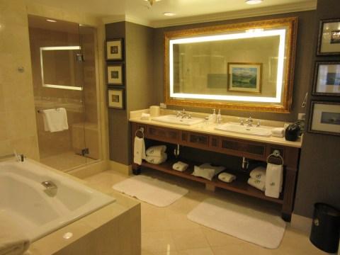 Bathroom: Suite 4500, The Broadmoor