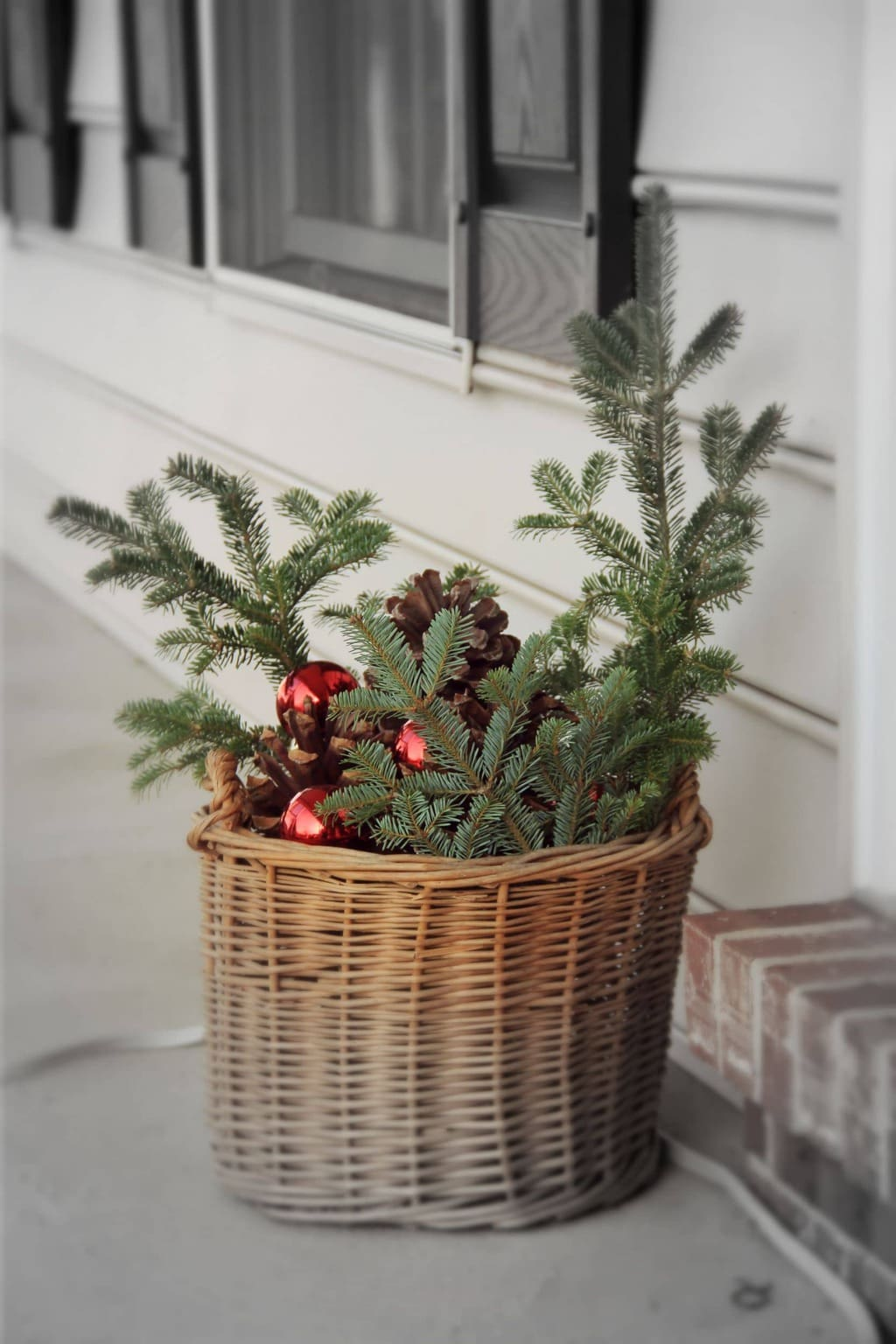 5 Easy and Cheap DIY Christmas Decorating Ideas