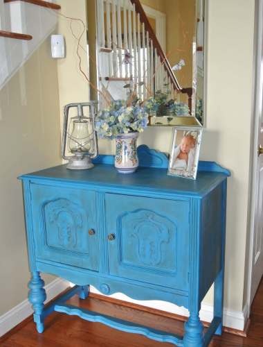 DIY Chalk Paint Entryway Table Makeover