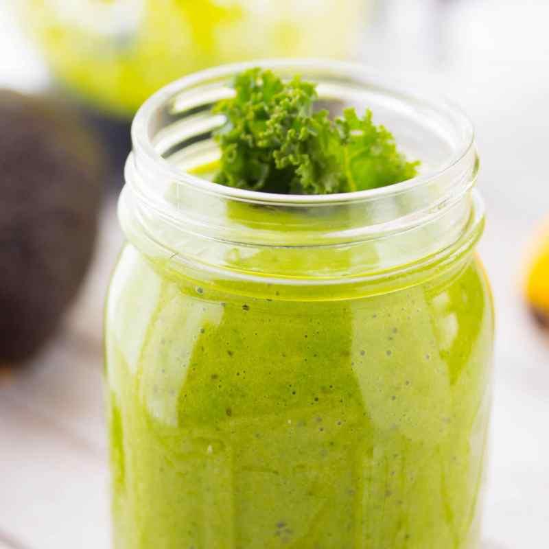 Avocado Greens & Banana Smoothie