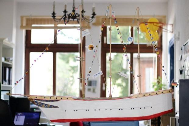 Schulschiff Modell ganz