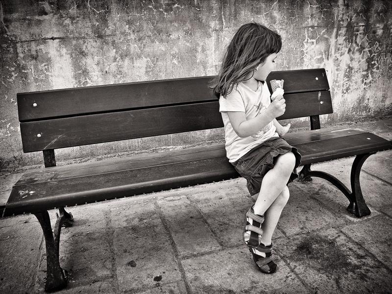 Fata cu inghetata / Girl with icecream