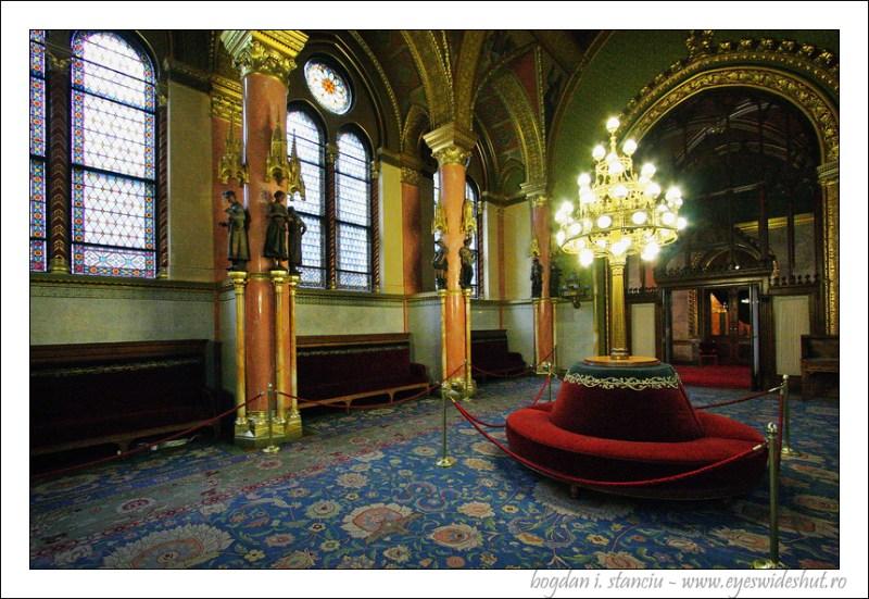 hungarian-parliament-building 09