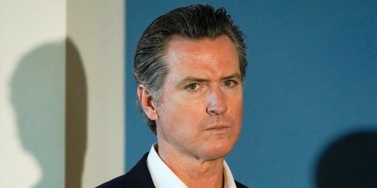 Newsom to lift COVID restrictions as recall efforts gain momentum