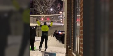 Seattle Antifa builds snow barrier in front of precinct, blocking responding from responding to emergencies