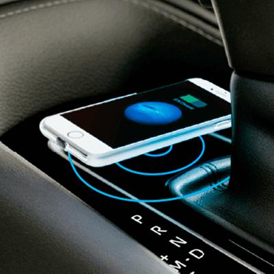 CARGADOR INALÁMBRICO    Deja que tu espíritu aventurero se mantenga siempre conectado con el cargador inalámbrico compatible con smartphones de alta gama con tecnología de carga inalámbrica.