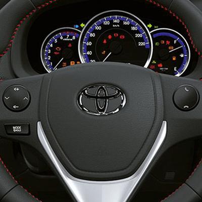 Controles en el Volante.   Controla el sistema de sonido y la conexión Bluetooth sin retirar las manos del timón. Regulable en altura para mayor comodidad en la conducción.