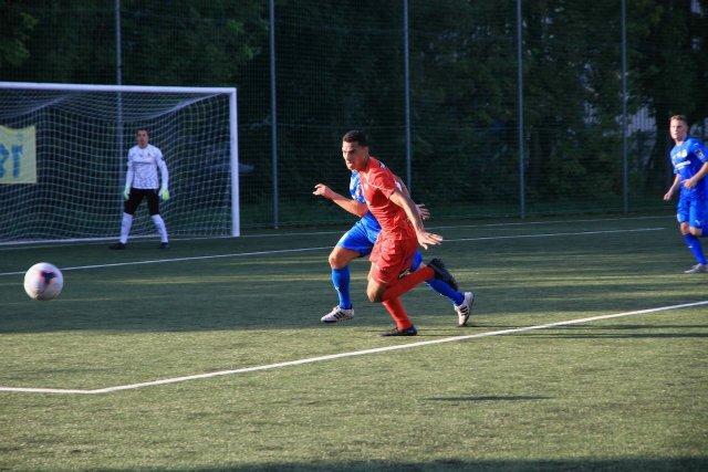 Spielerszene im Strafraum der SV Leobendorf