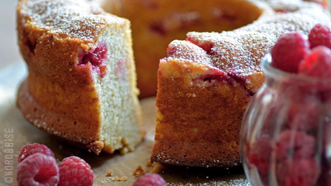 04_banana_raspberry_cake