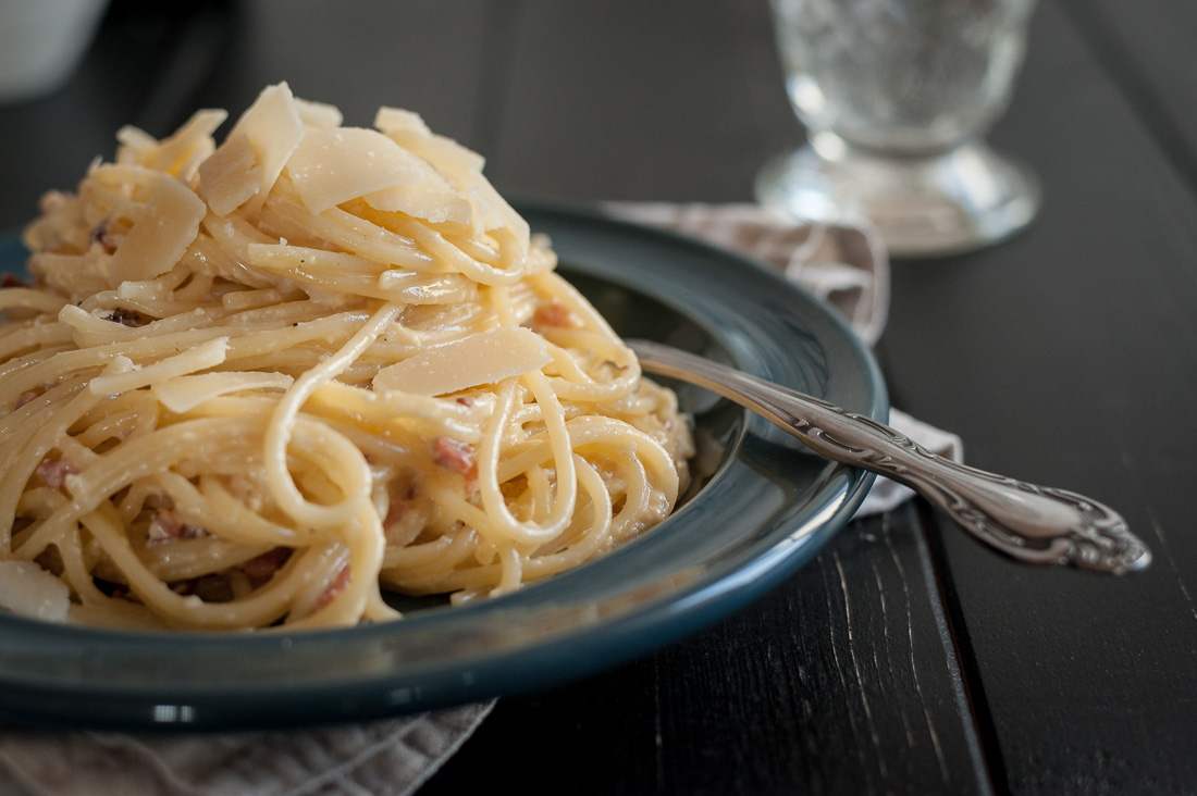 Spaghetti Carbonara with Smokey Bacon and Spicy Parmesan by Eve | nordbrise.net (Spaghetti Carbonara mit rauchigem Speck und würzigem Parmesan)