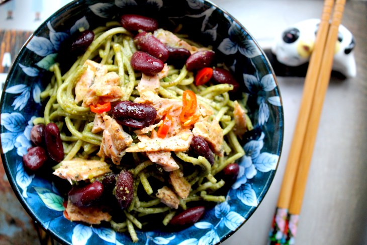 Tagliolini-al-te-matcha-e-salmone-nikkei